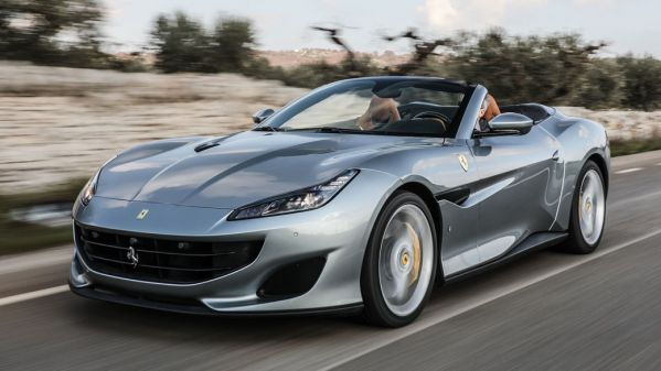 cầm xe ô tô Ferrari trả góp