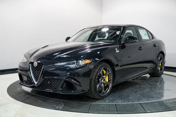 cầm xe ô tô Alfa Romeo lãi suất thấp