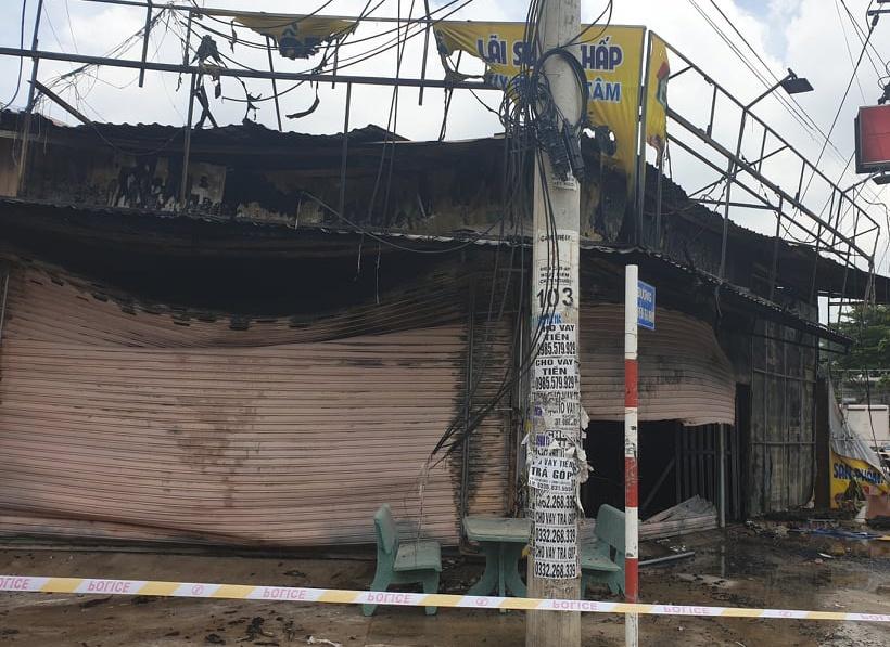 Hiện trường vụ cháy tiệm cầm đồ ở Bình Dương